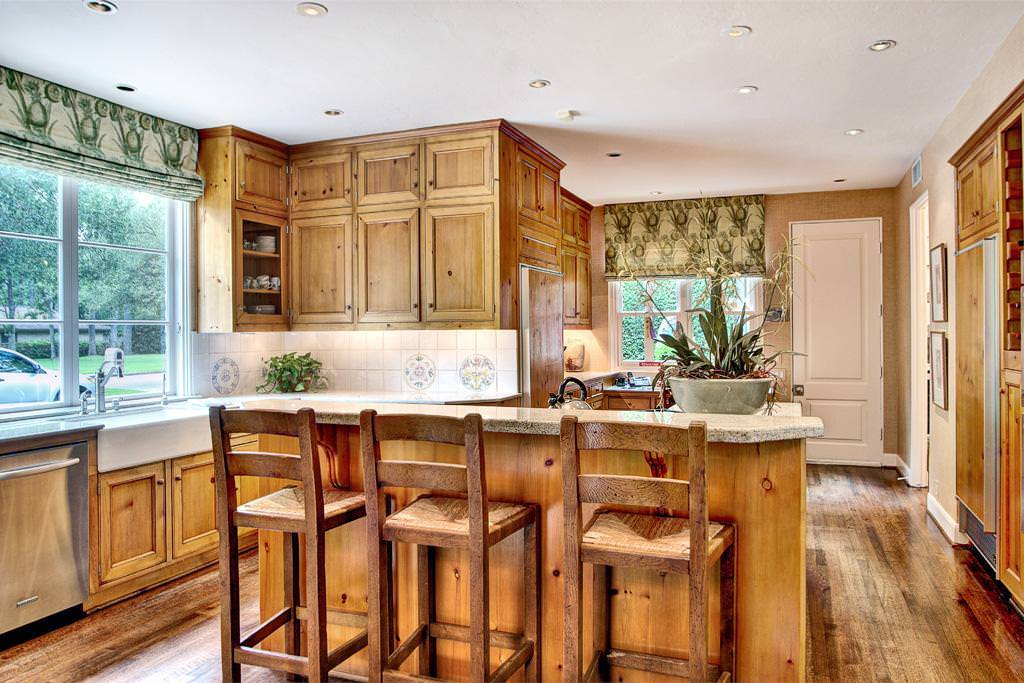 """Knotty Pine Kitchen — Ideas Roni Young from """"Best Knotty ..."""
